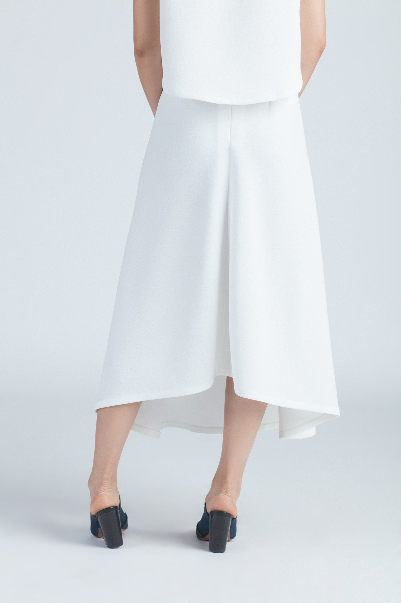 KAAREM - White Stream Deep Pleated Midi Skirt